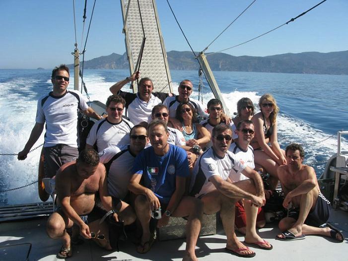 L'ordine in barca - dive Club Milano - Scuola Immersioni